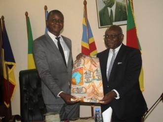 Le Ministre Centrafricain des Arts, de la Culture et du Tourisme, en visite officielle au CERDOTOLA